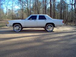 CrownVicBoy24s 1990 Ford Crown Victoria