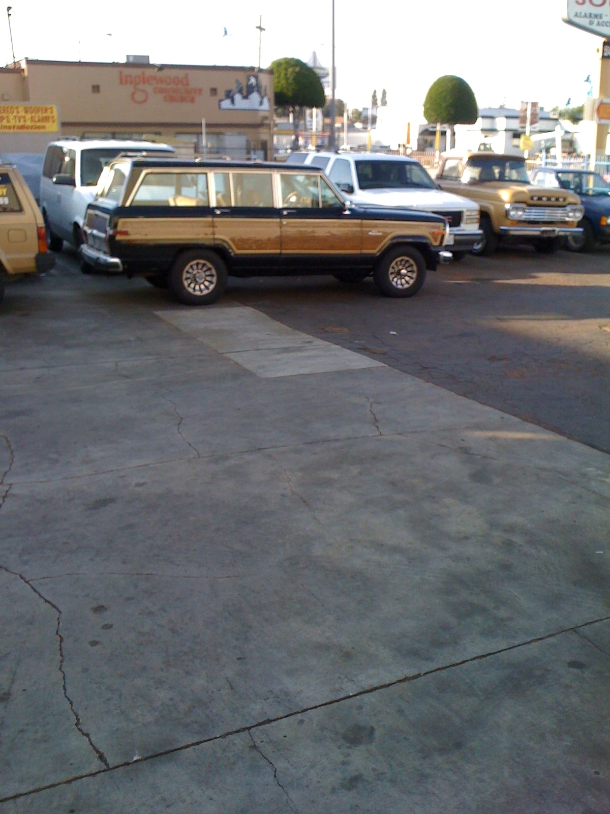 Another Boorider 1986 Jeep Grand Wagoneer post... - 14229771