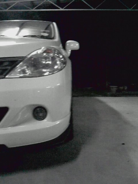 Another white demons 2009 Nissan Versa post... - 14258704