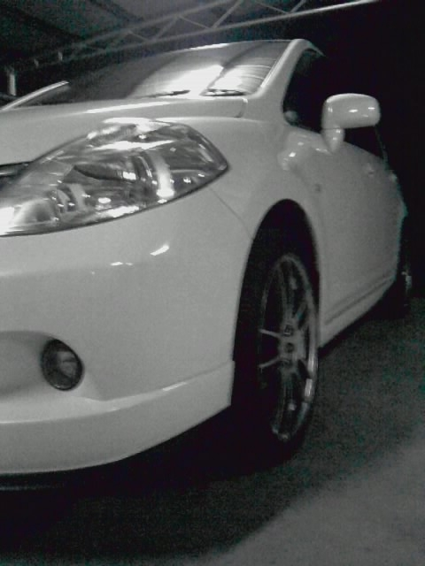 Another white demons 2009 Nissan Versa post... - 14258705