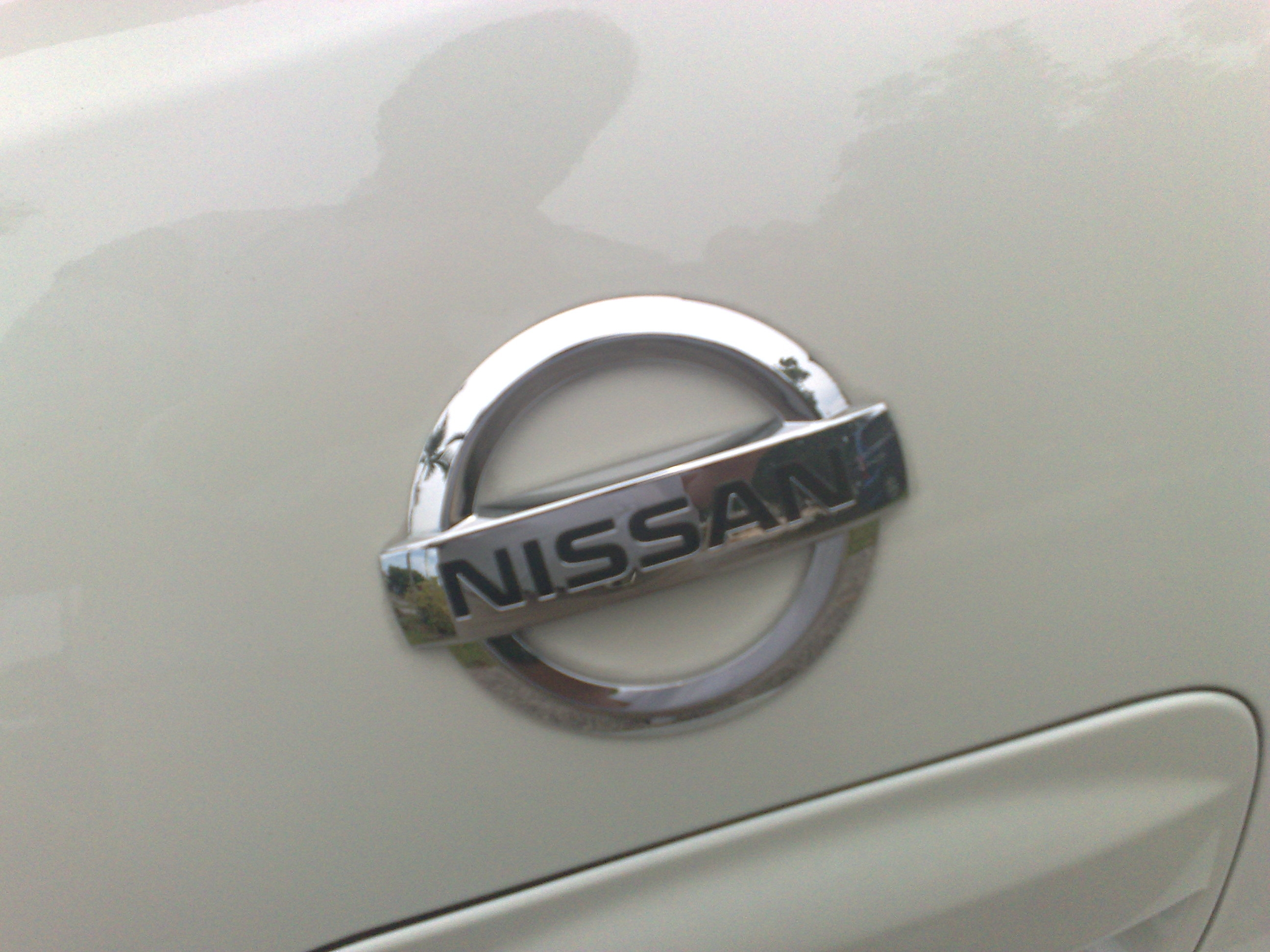 Another white demons 2009 Nissan Versa post... - 14258715