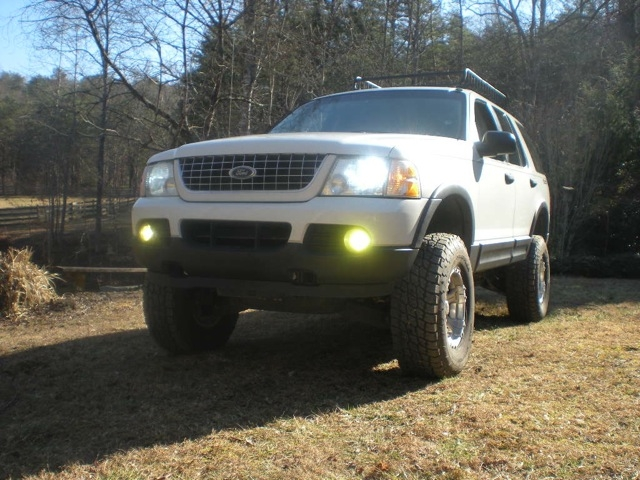 Cars Asyu 2003 Ford Explorer Lifted