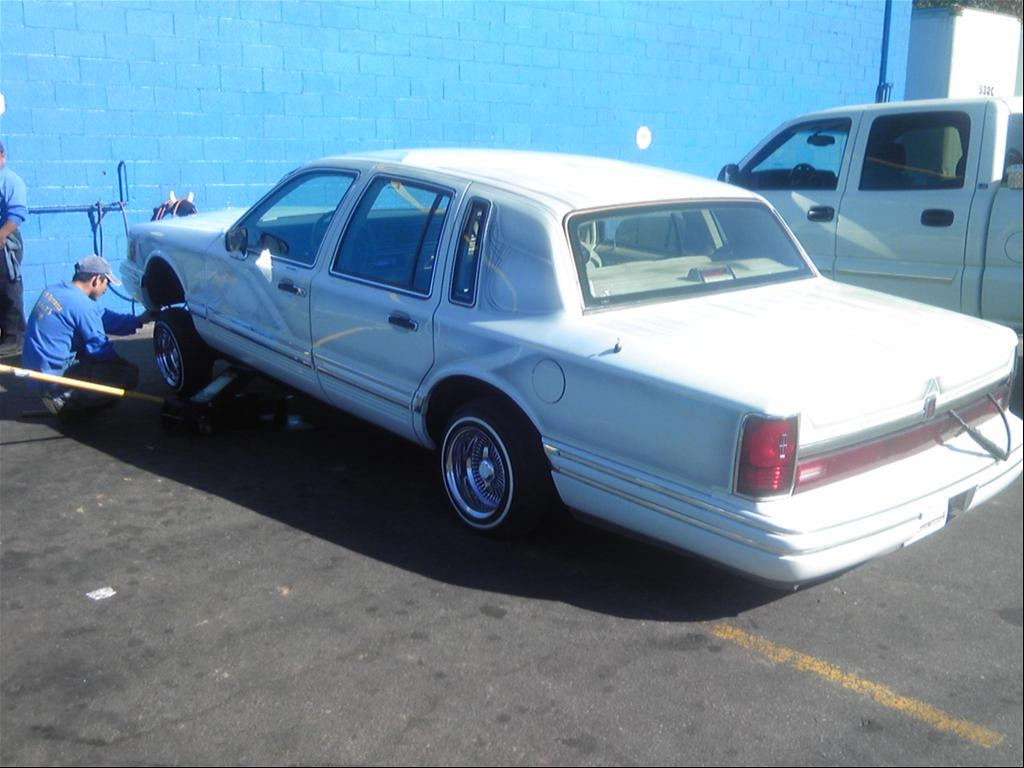 1998+lincoln+town+car+lowrider