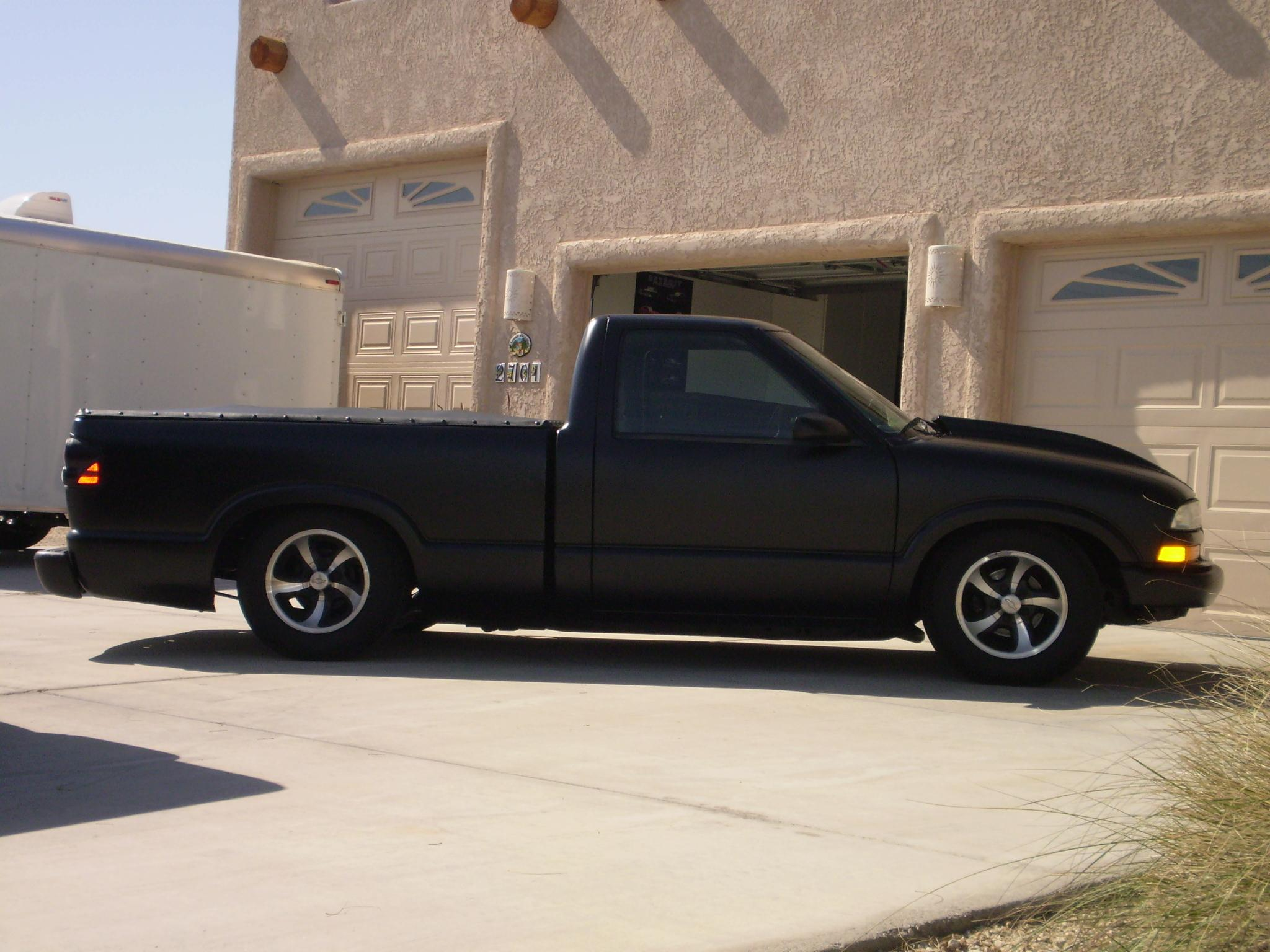 hava low v8 2000 chevrolet s10 regular cab specs photos modification info at cardomain. Black Bedroom Furniture Sets. Home Design Ideas