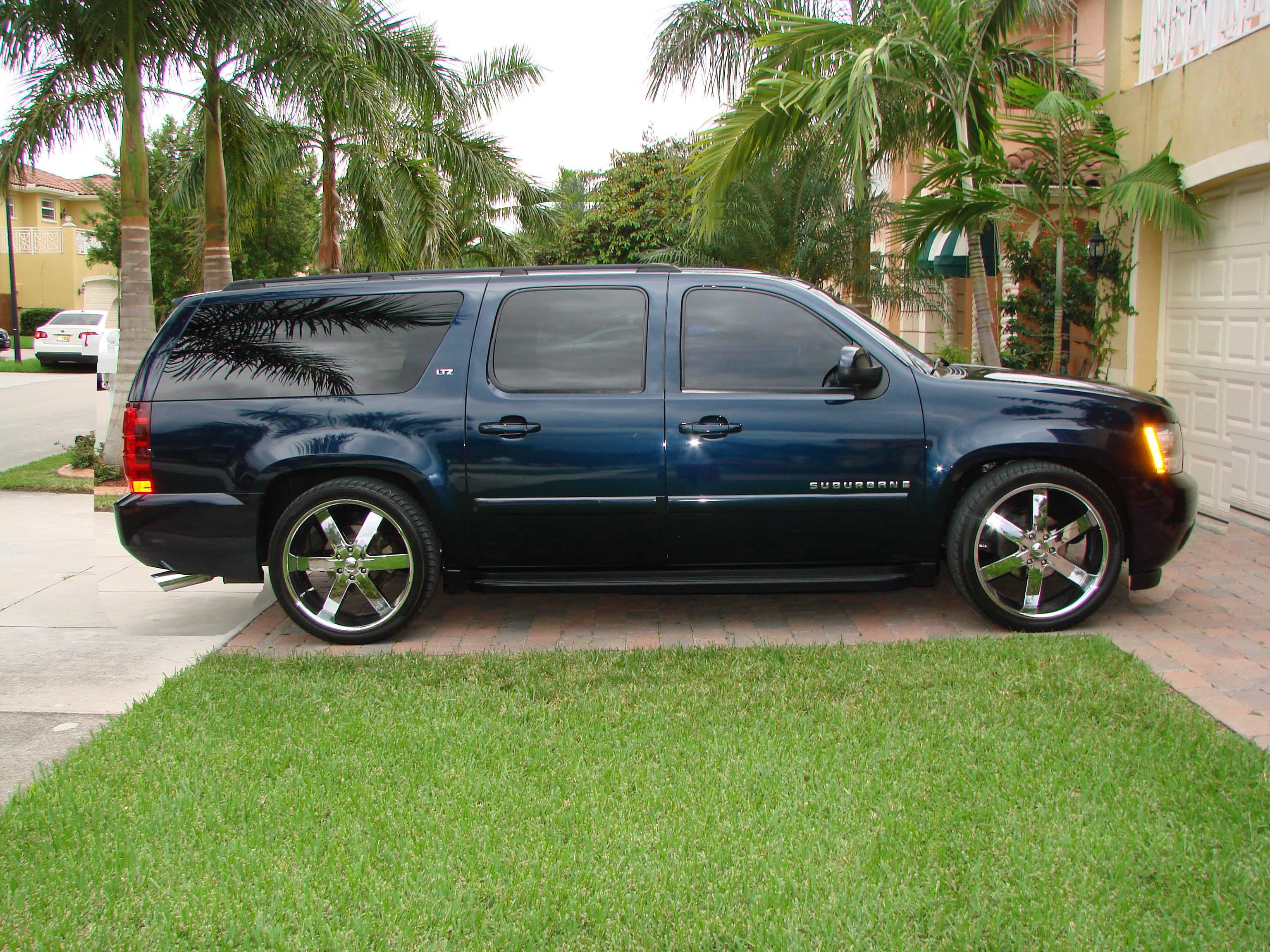 merg one 2007 chevrolet suburban 1500 specs photos. Black Bedroom Furniture Sets. Home Design Ideas