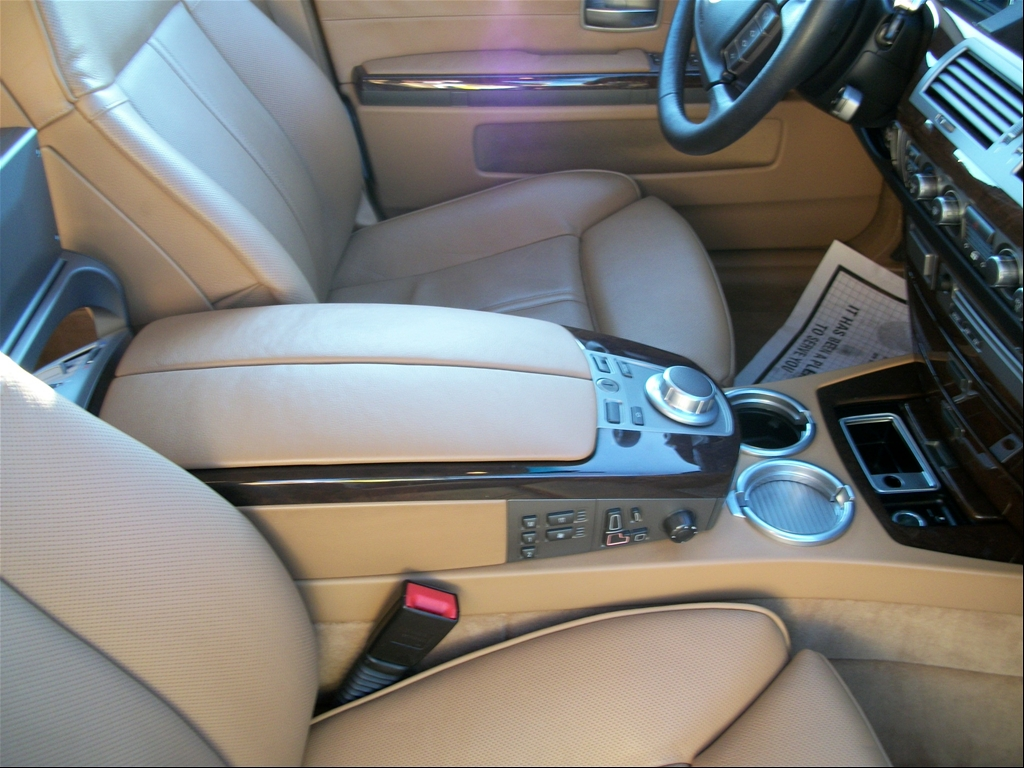Luxury DZLE: BMW 750LI on 22""
