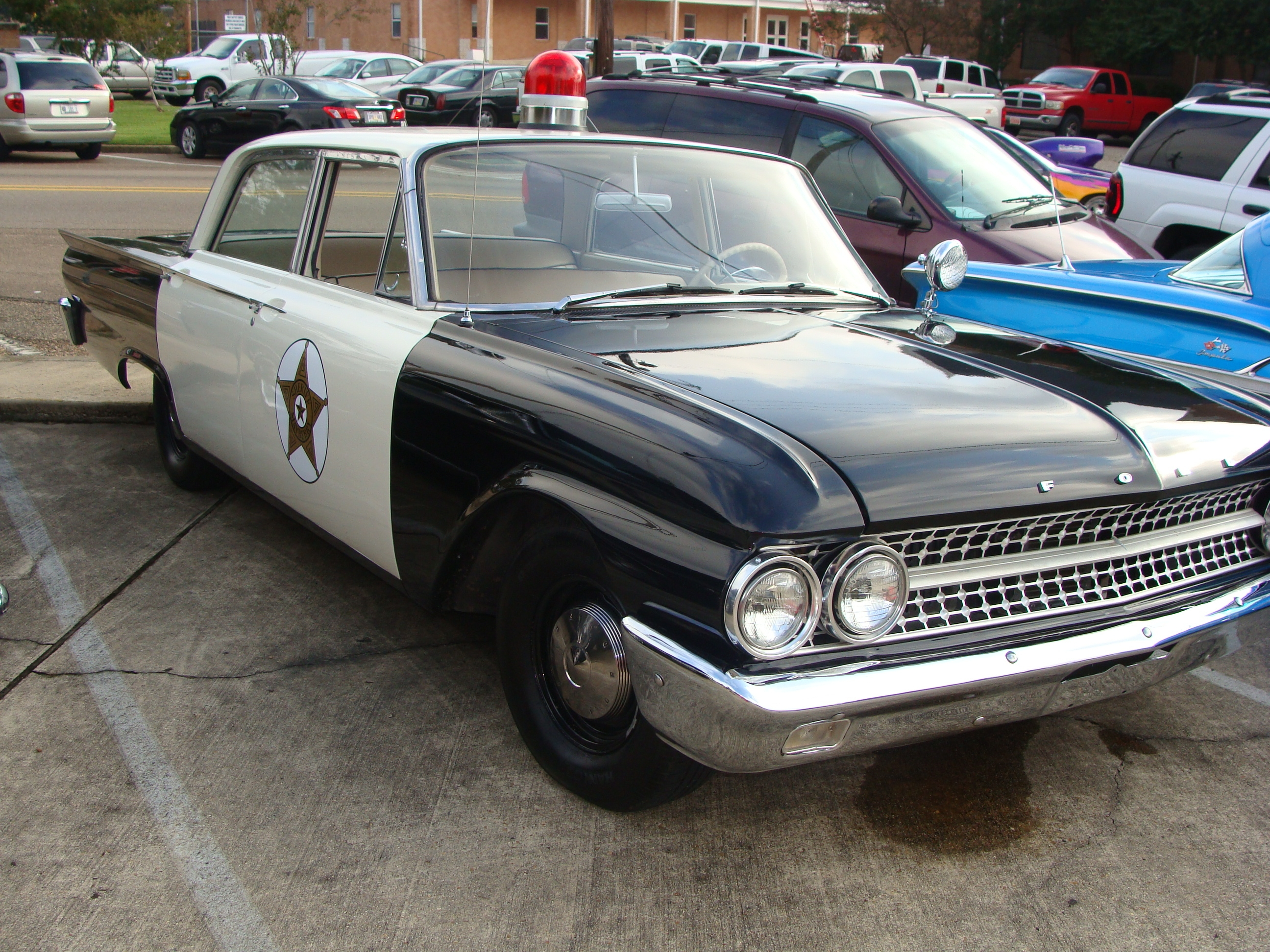 Another plcffcr 1961 Ford Fairlane post... - 14298905