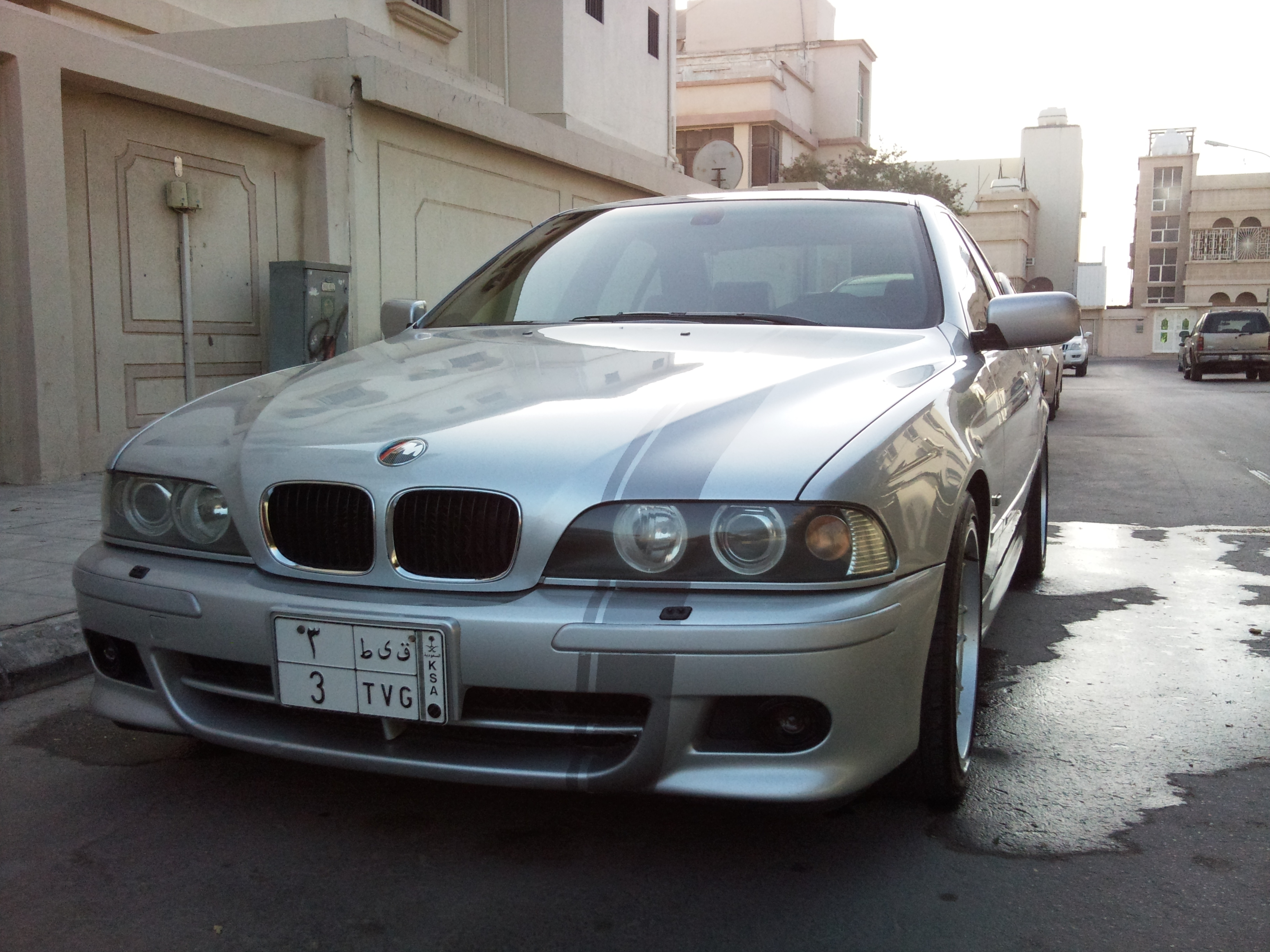 Another KISS0EVO 2001 BMW 5 Series post... - 14302756