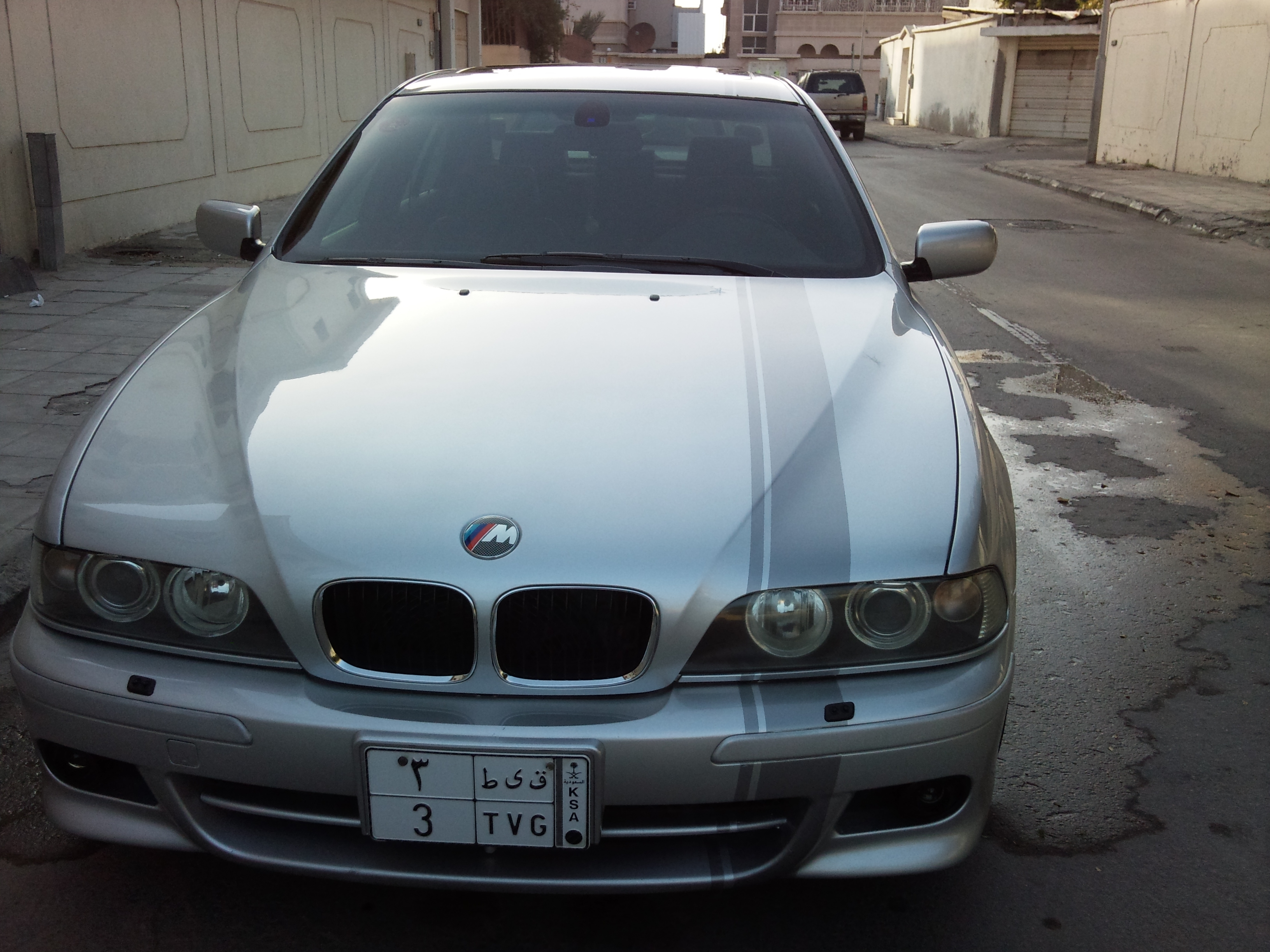 Another KISS0EVO 2001 BMW 5 Series post... - 14302757