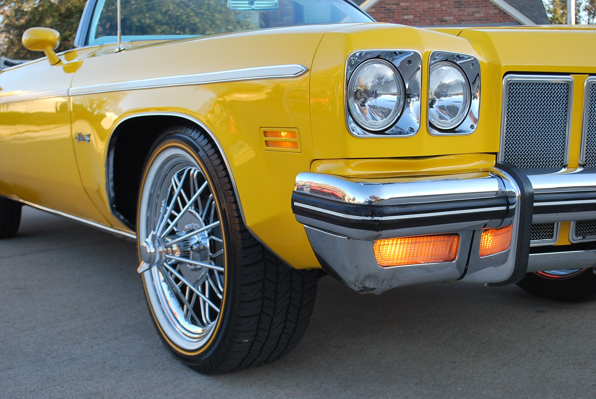 Another yelladrop 1975 Oldsmobile Delta 88 post... - 14307934