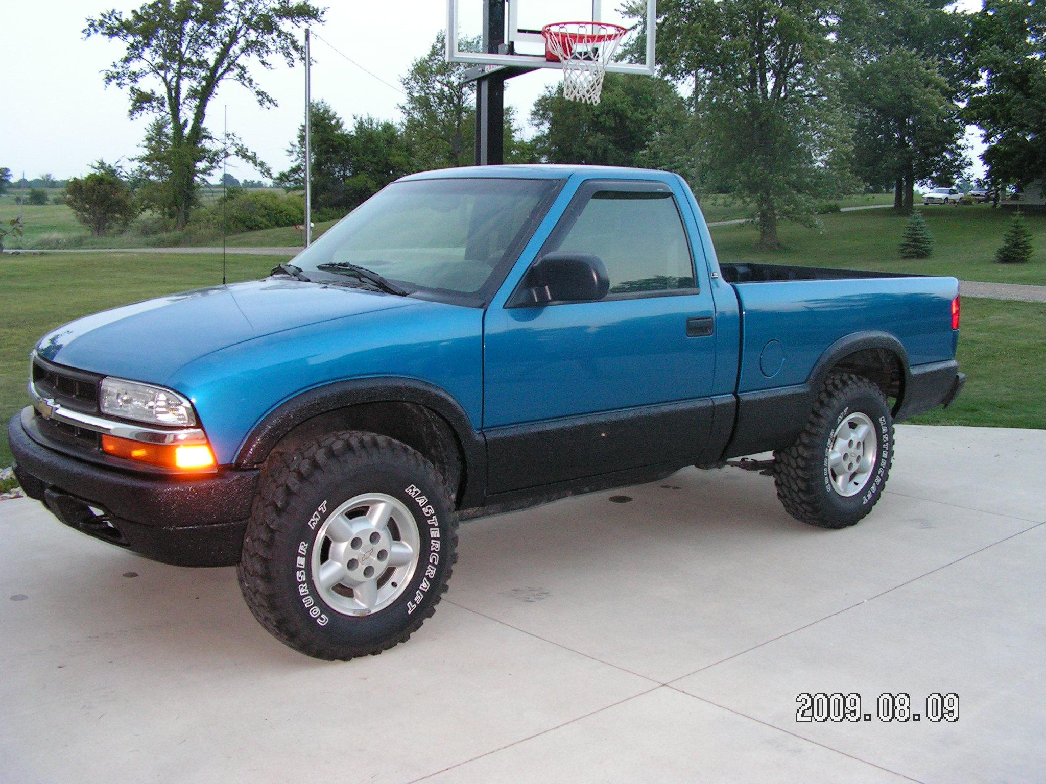 2000chevrolets10 2000 chevrolet s10 regular cabshort bed specs photos modification info at. Black Bedroom Furniture Sets. Home Design Ideas