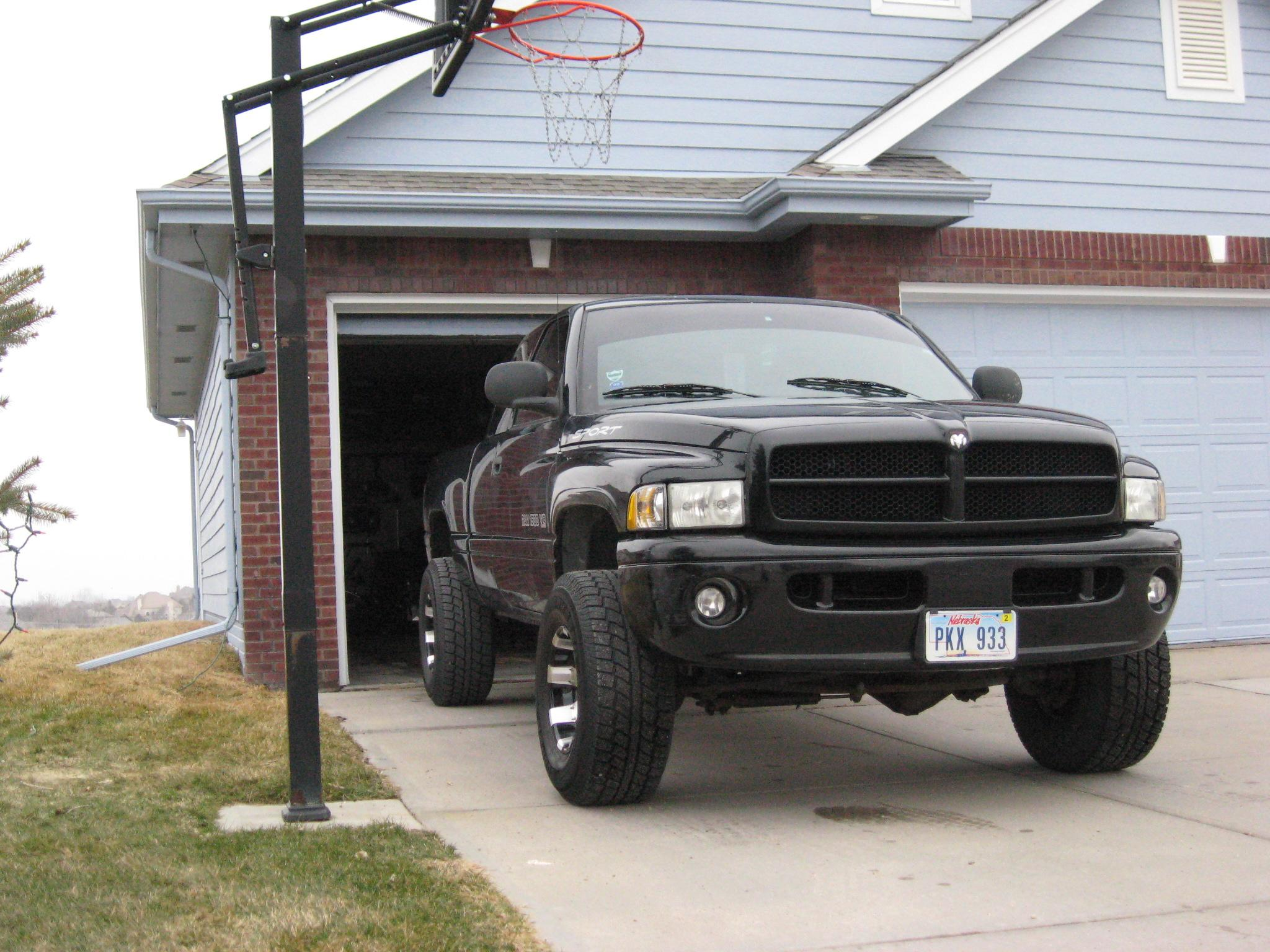 Ridinhigh420's 2000 Dodge Ram 1500 Quad Cab