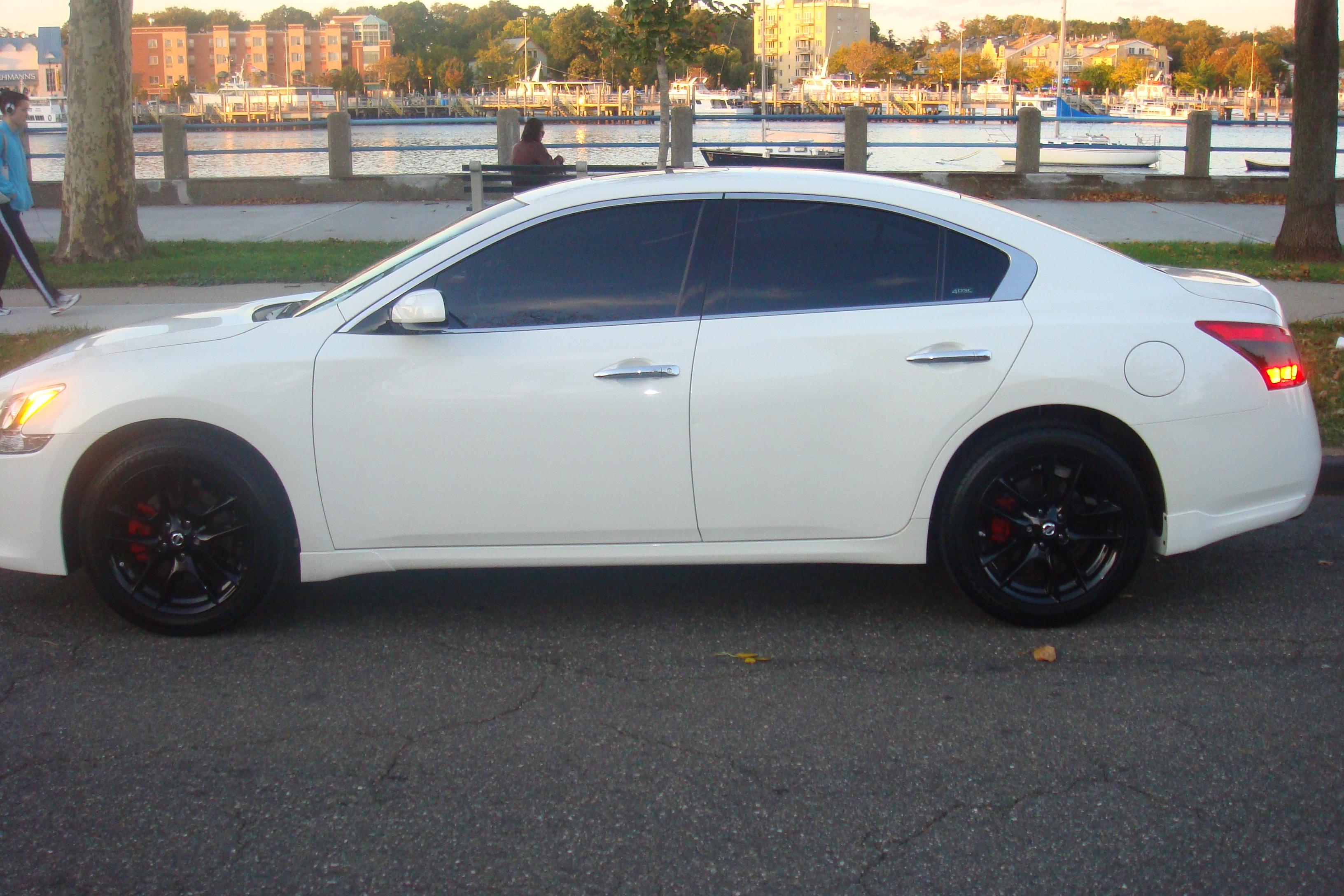 2010 nissan maxima white with black rims. Black Bedroom Furniture Sets. Home Design Ideas