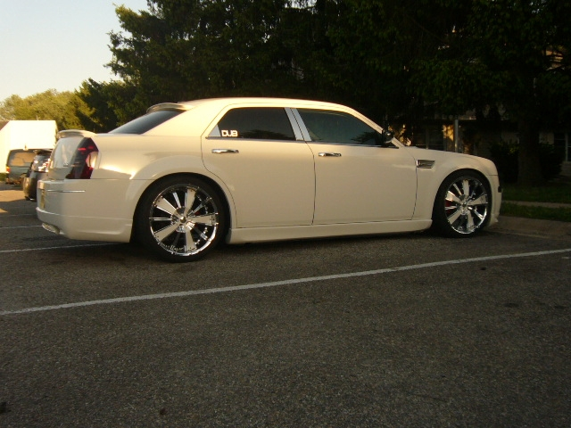 Another esmoooth 2006 Chrysler 300 post... - 14311749