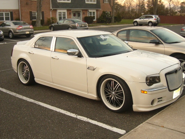 Another esmoooth 2006 Chrysler 300 post... - 14311765