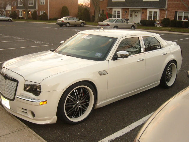 Another esmoooth 2006 Chrysler 300 post... - 14311766