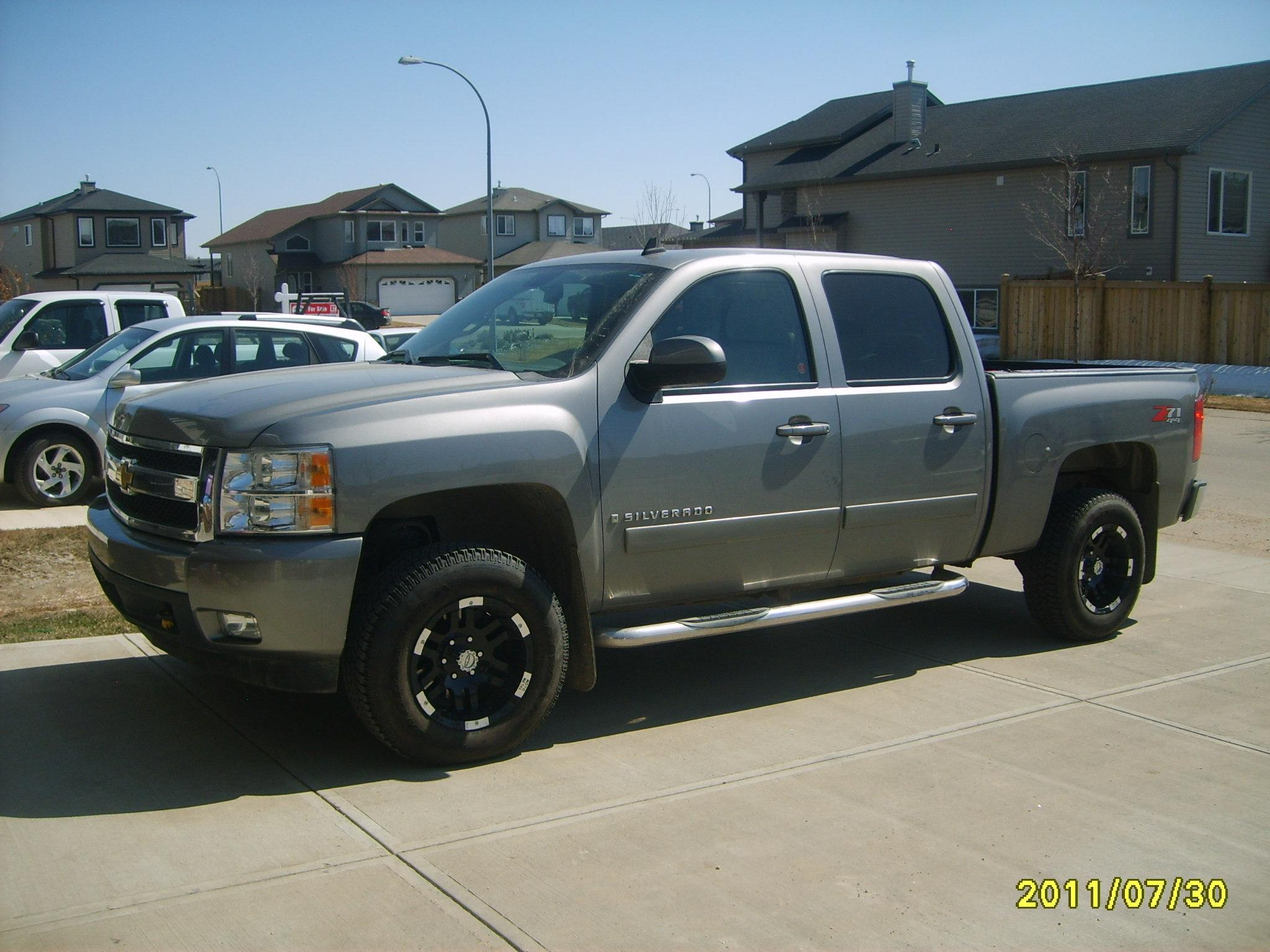 oldveedub 2007 chevrolet silverado 1500 crew cab specs photos modification info at cardomain. Black Bedroom Furniture Sets. Home Design Ideas