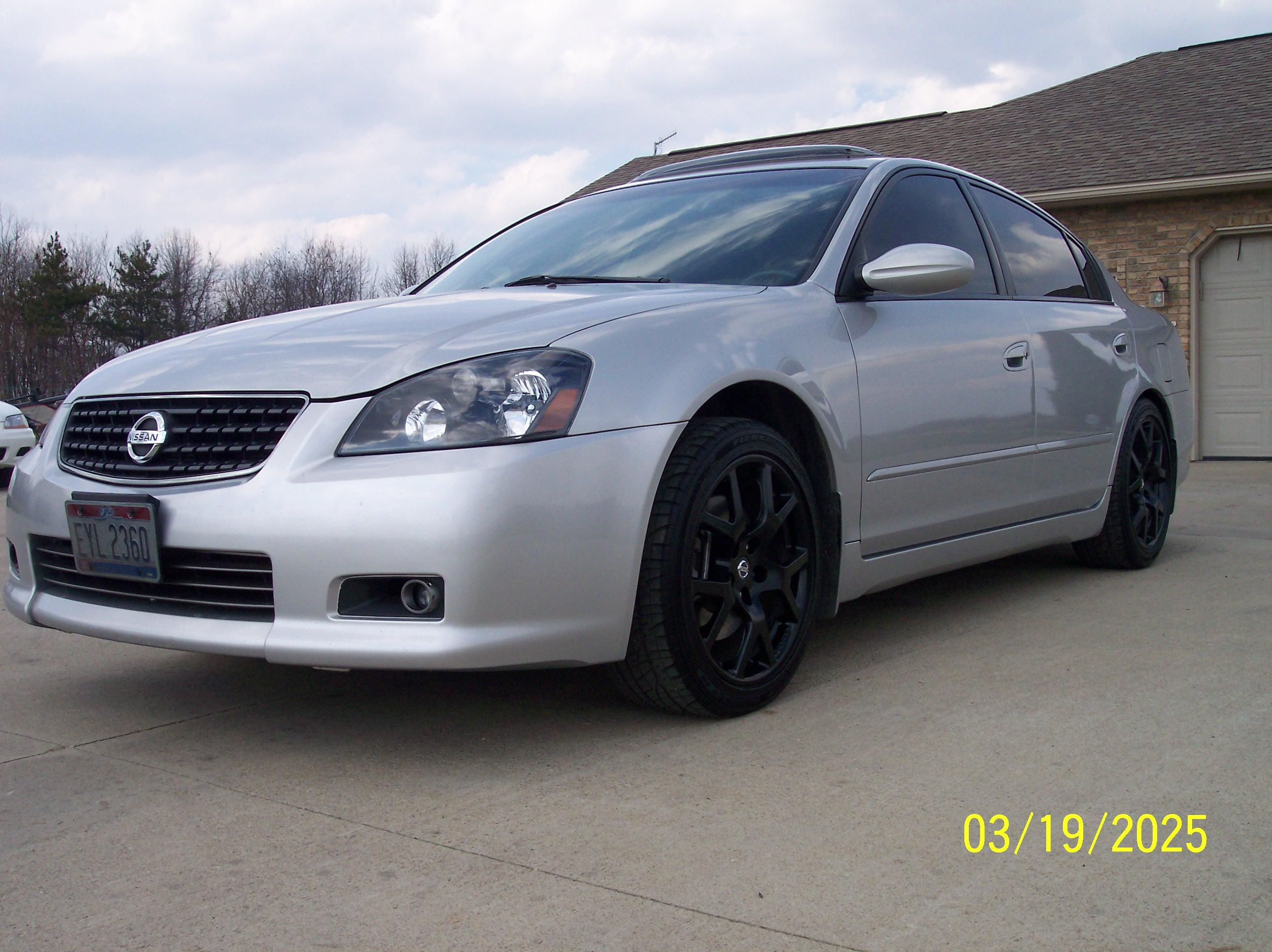 Serman11 2005 Nissan Altima3 5 Se R Sedan 4d Specs Photos
