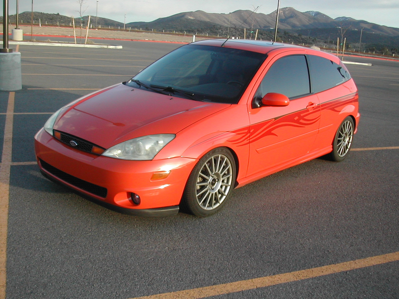 95mazdaprecidia 2003 Ford Focus 14347212