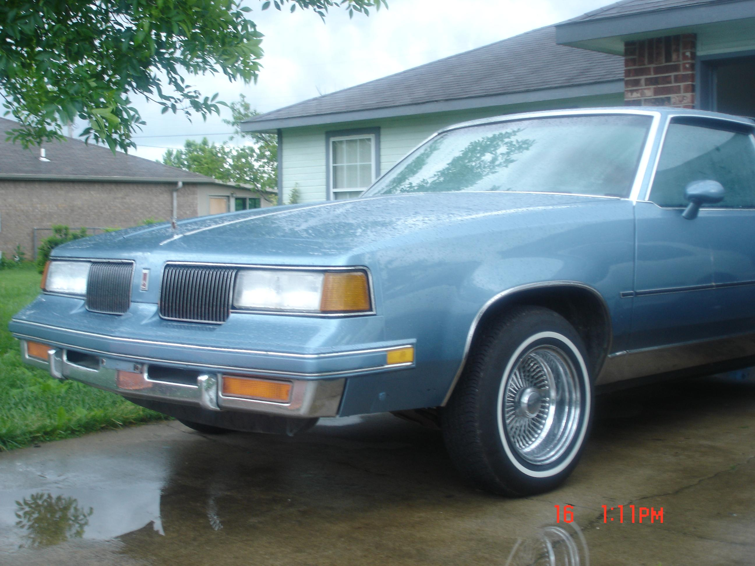 Centertoncutty 1987 Oldsmobile Cutlass Supreme Specs