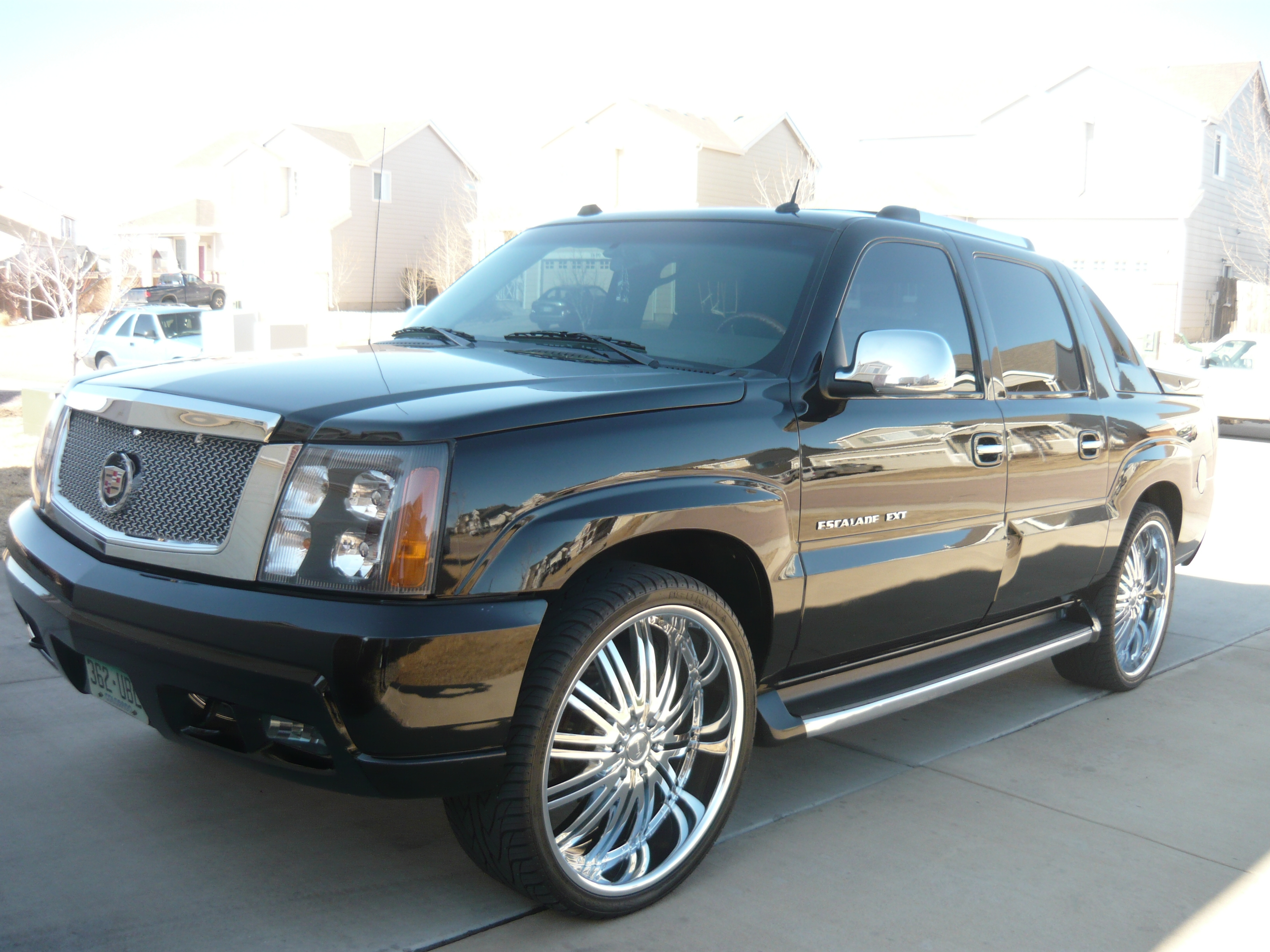 and pick escalade specs pictures cadillac information up