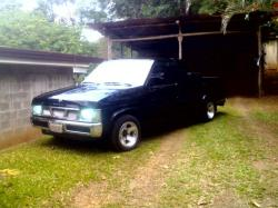 moisod21s 1990 Nissan D21 Pick-Up