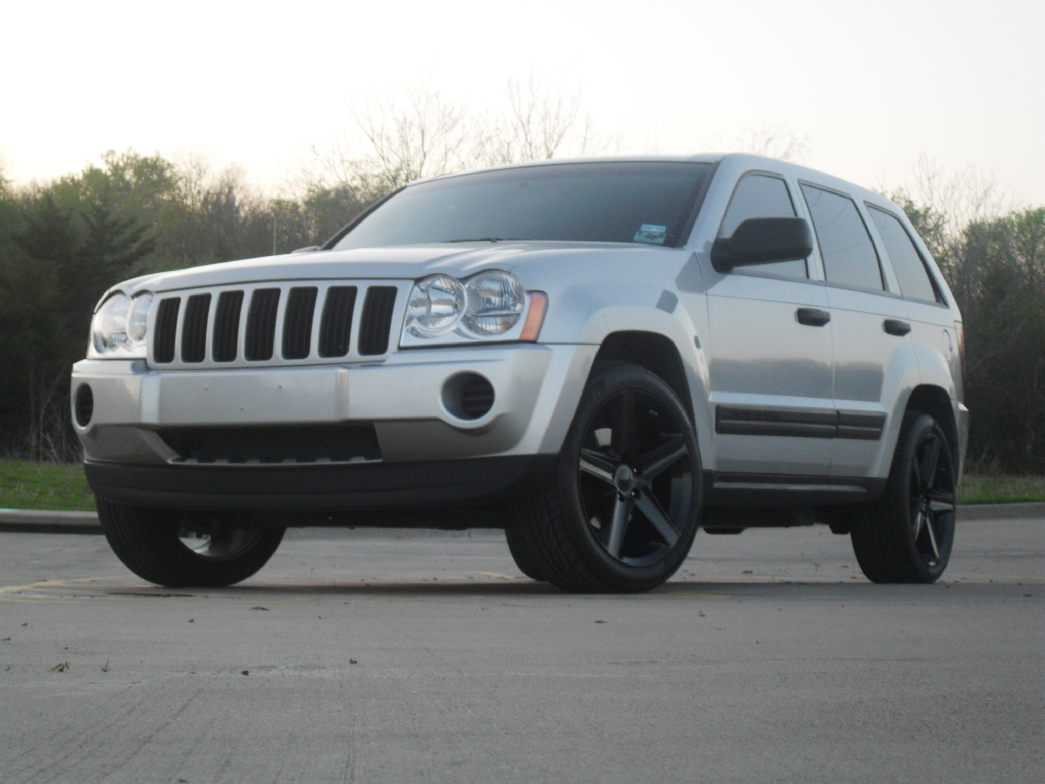 ride slow 2005 jeep grand cherokeelaredo sport utility 4d specs photos modification info at. Black Bedroom Furniture Sets. Home Design Ideas