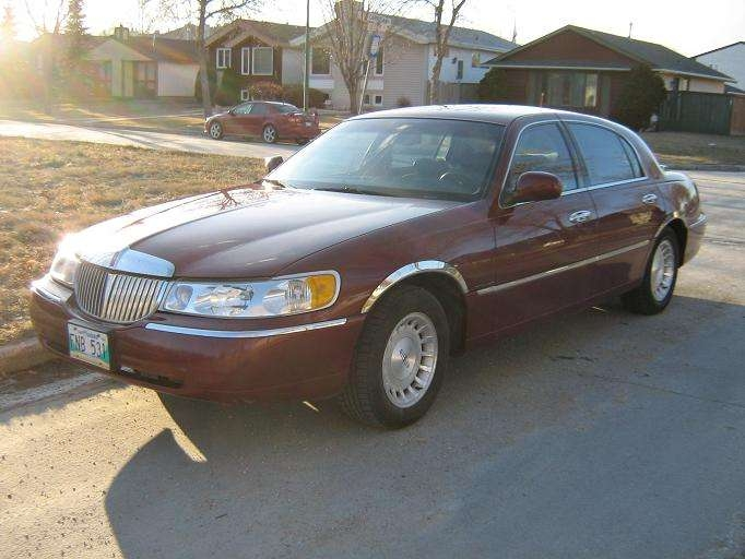 qwerty99 1998 lincoln town carexecutive sedan 4d specs. Black Bedroom Furniture Sets. Home Design Ideas