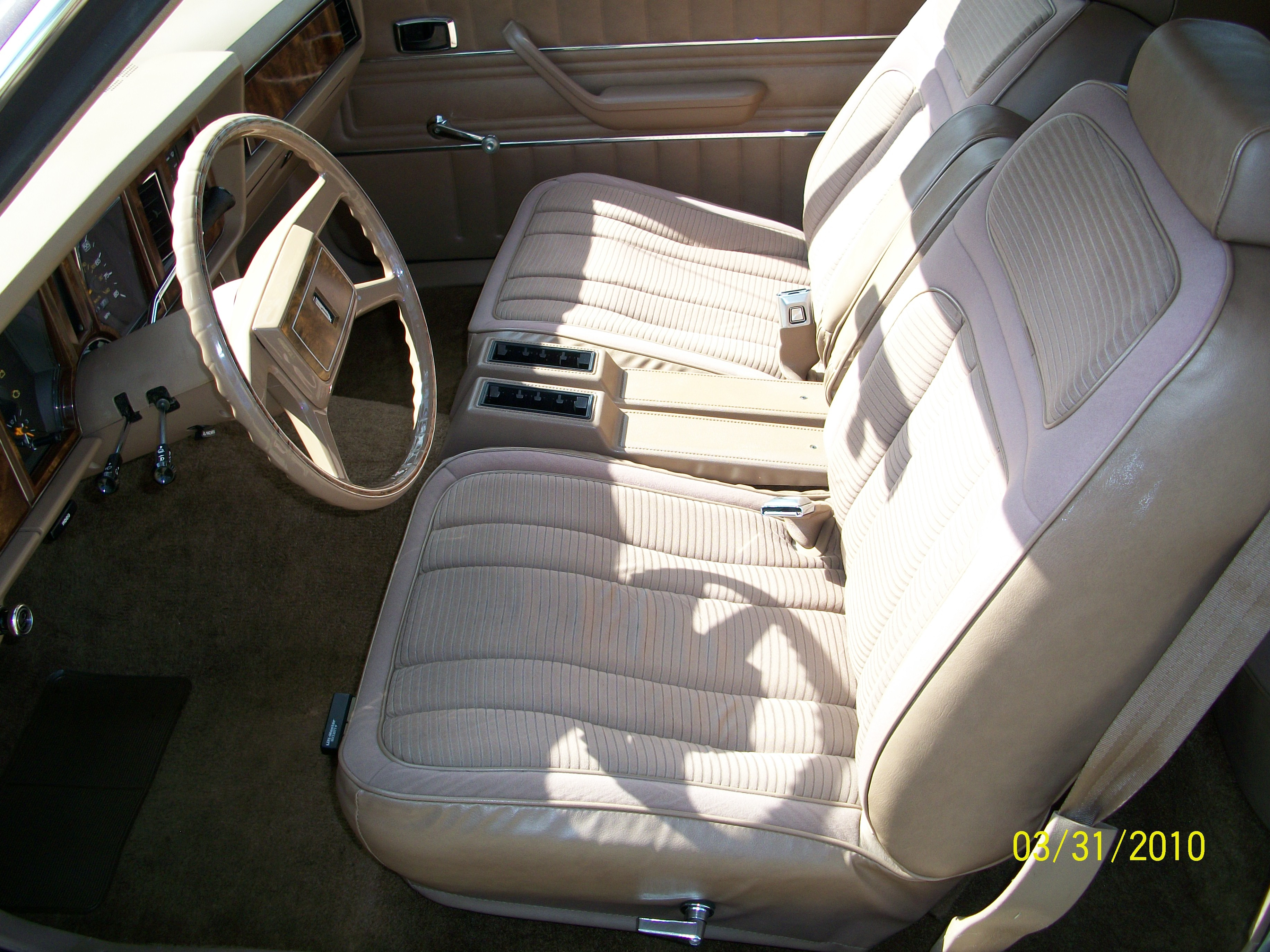 Another ck05tsi 1981 ford granada post 822447 by ck05tsi - Ways of accessorizing love seats ...