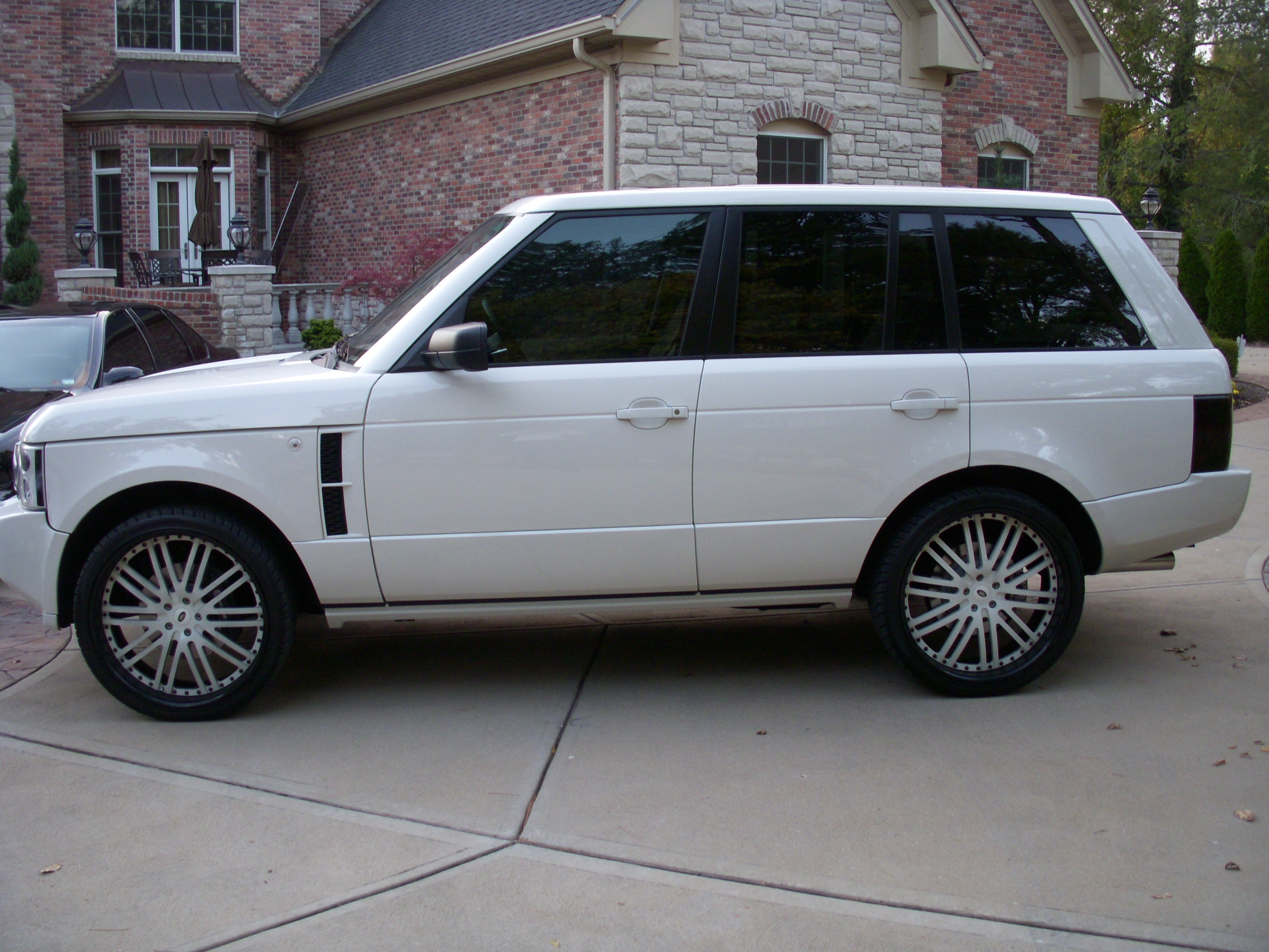 Another 9IMPALA6 2009 Land Rover Range Rover post... - 14385174