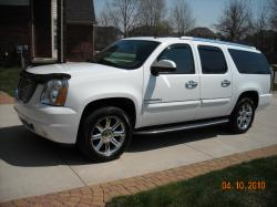 1fungts 2007 GMC Yukon Denali