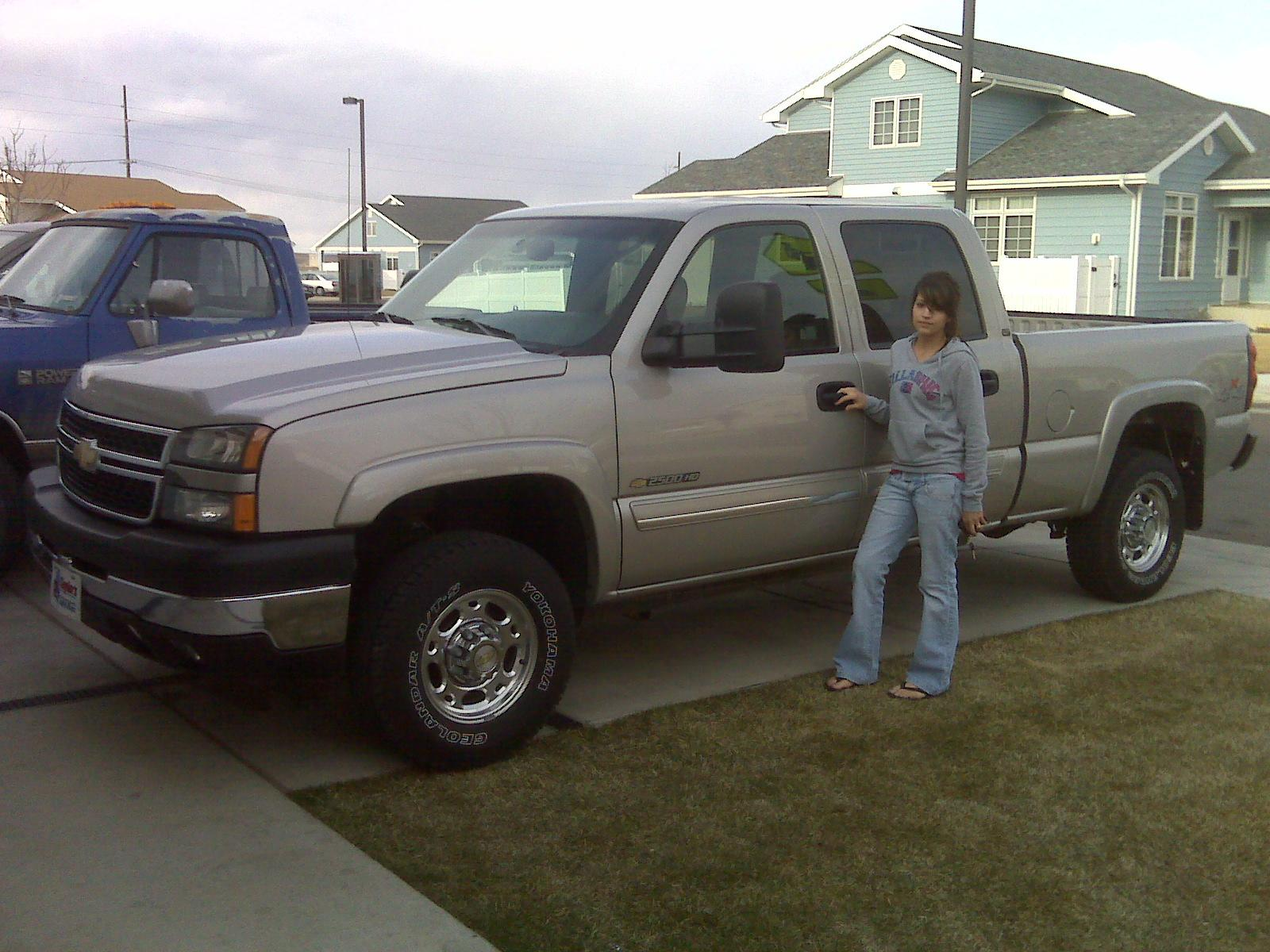 my 4x4 2006 chevrolet silverado 2500 hd crew cab specs photos modification info at cardomain. Black Bedroom Furniture Sets. Home Design Ideas