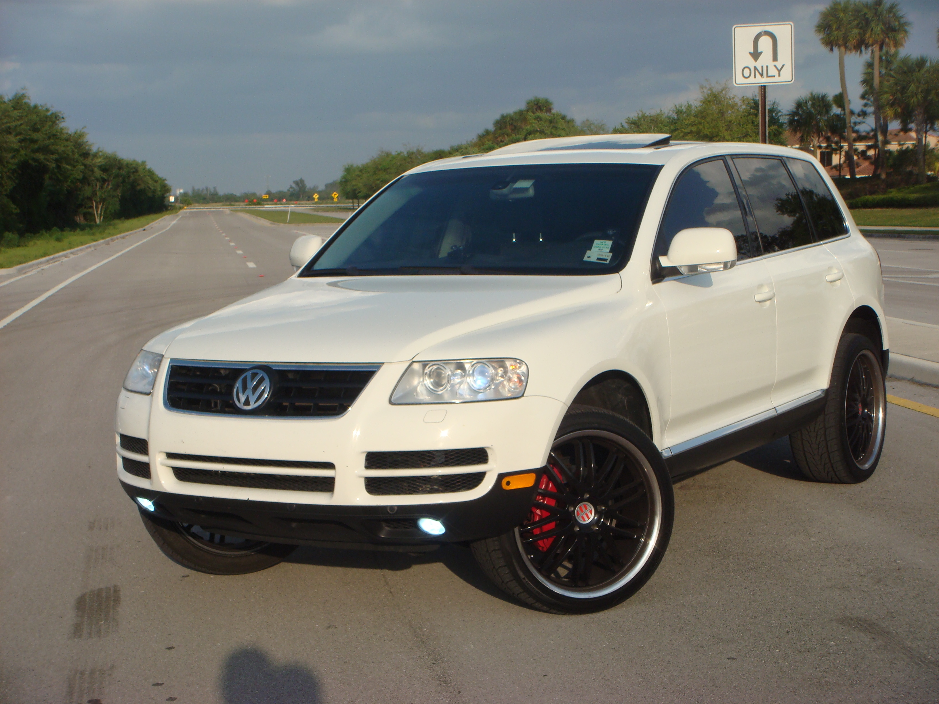 Dylan1993 2004 Volkswagen Touaregsport Utility 4d Specs Photos Modification Info At Cardomain