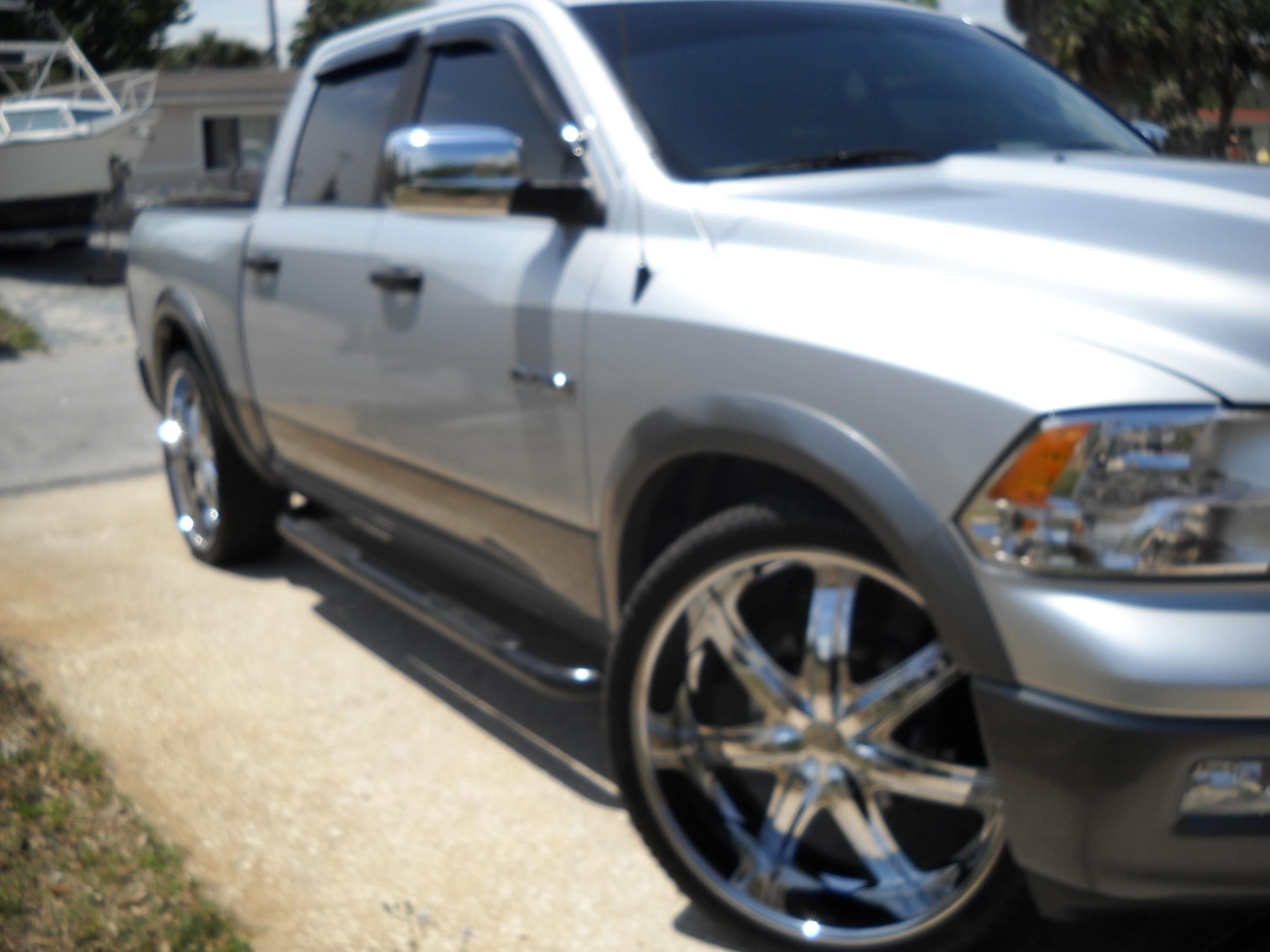 brian321 2009 dodge ram 1500 crew cab specs photos modification info at cardomain. Black Bedroom Furniture Sets. Home Design Ideas