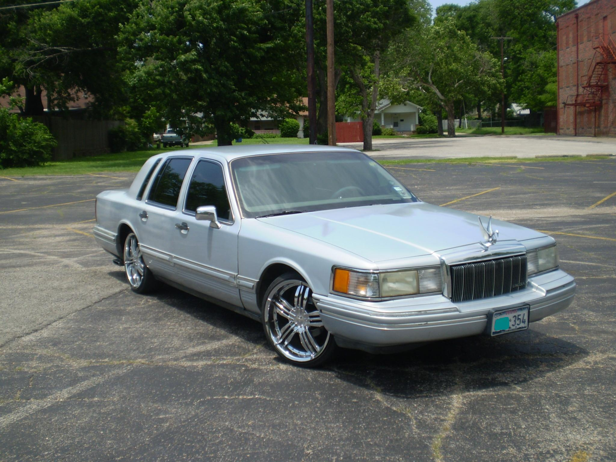 lincoln tc 1994 lincoln town carsignature sedan 4d specs. Black Bedroom Furniture Sets. Home Design Ideas