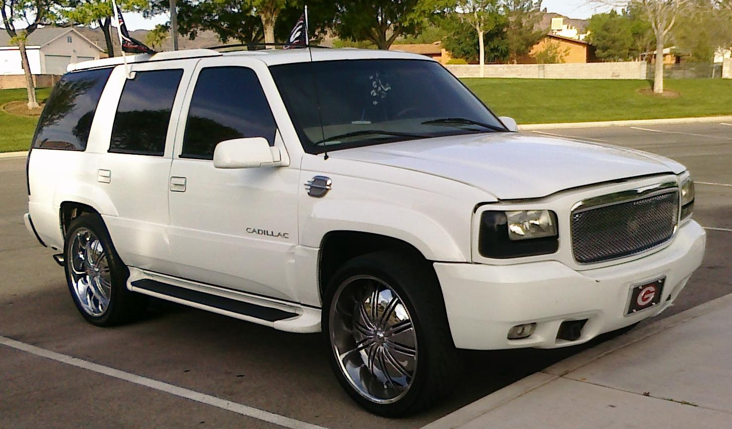 georgiaboi31643 2000 Cadillac Escalade Specs, Photos, Modification