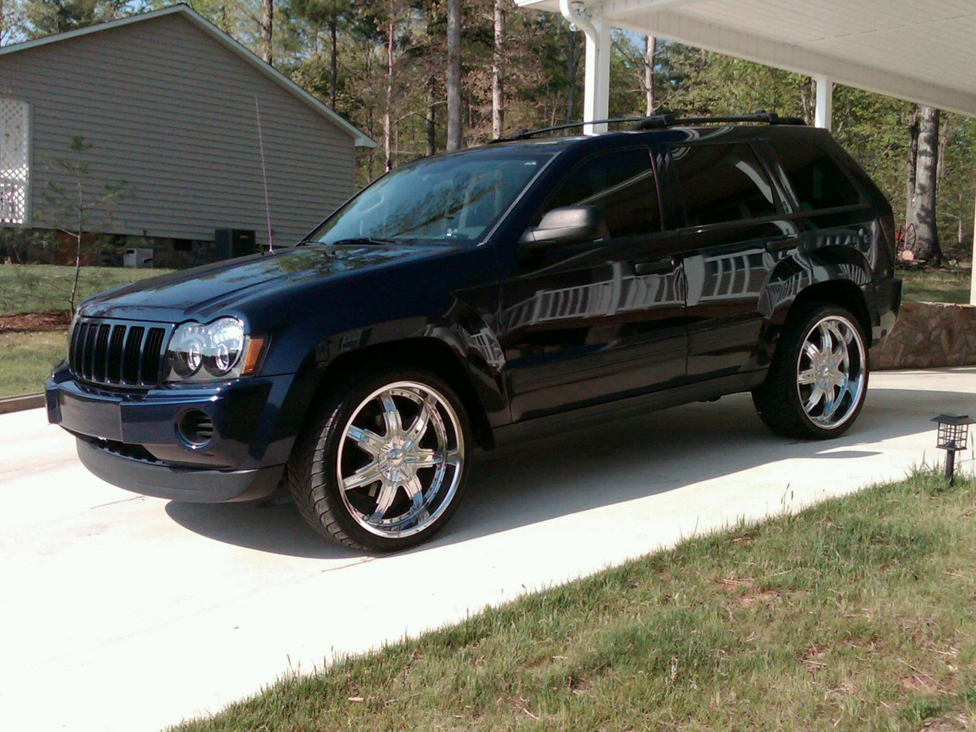 chaseritchie 2005 jeep grand cherokeelaredo sport utility. Black Bedroom Furniture Sets. Home Design Ideas