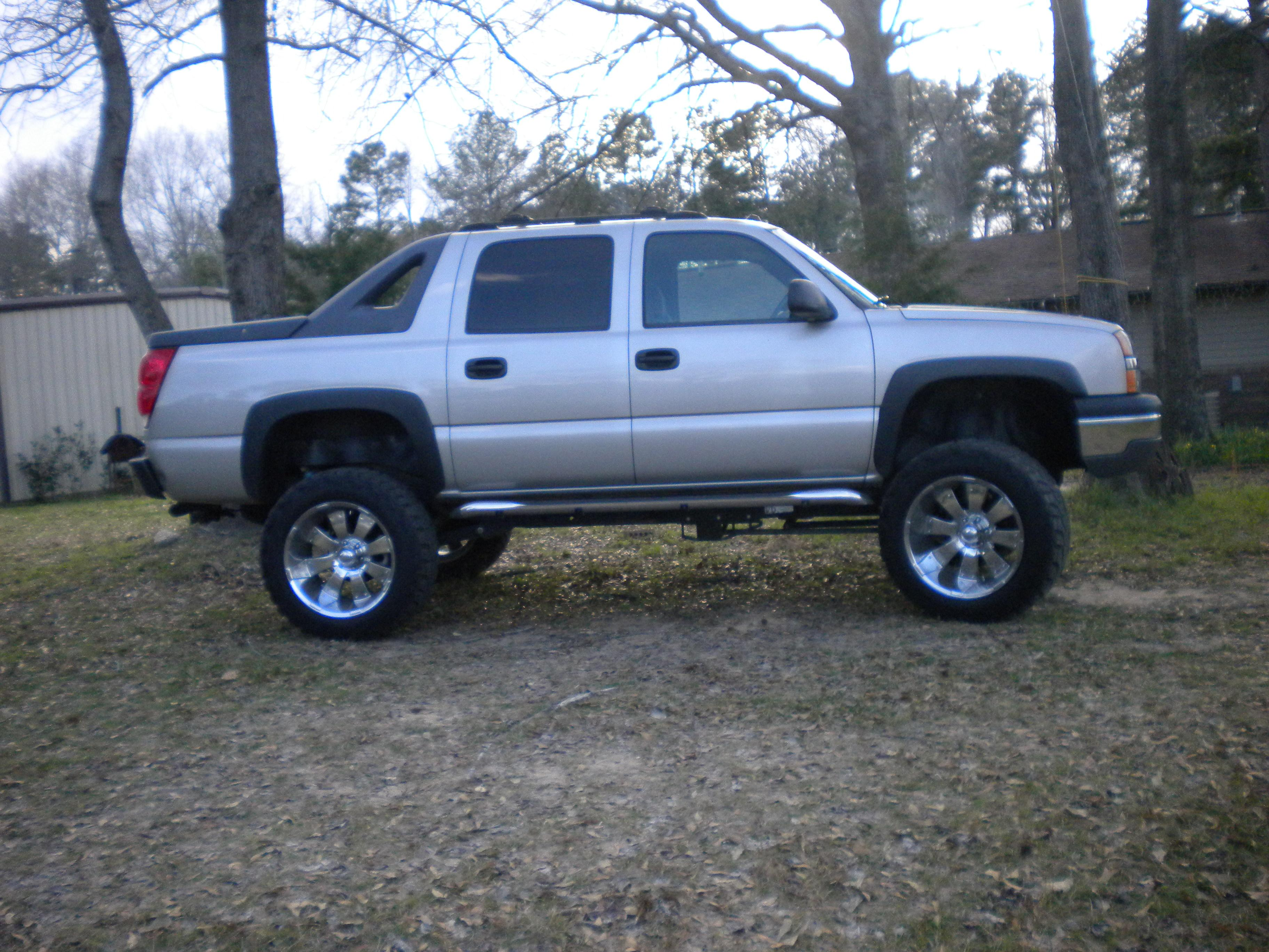 budwalraven 2004 chevrolet avalanche specs photos modification info at cardomain. Black Bedroom Furniture Sets. Home Design Ideas