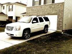 b_white713s 2008 GMC Yukon