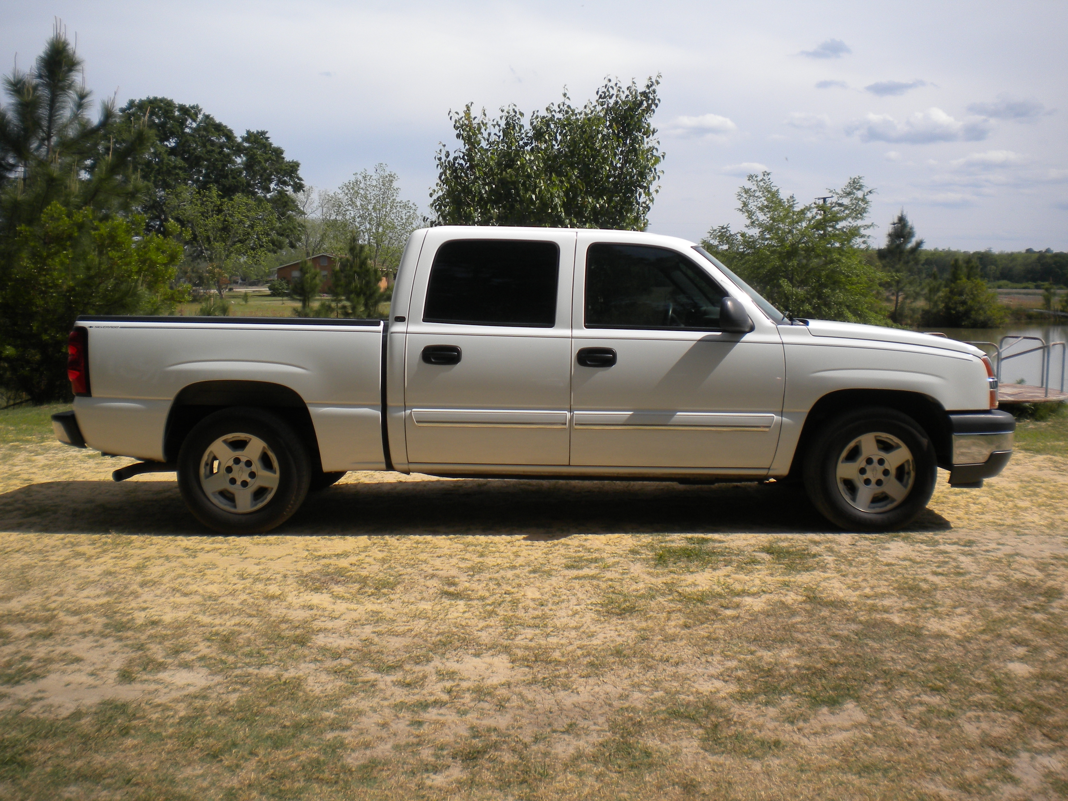 05chevsilverado 2005 chevrolet silverado 1500 crew cab specs photos modification info at cardomain. Black Bedroom Furniture Sets. Home Design Ideas