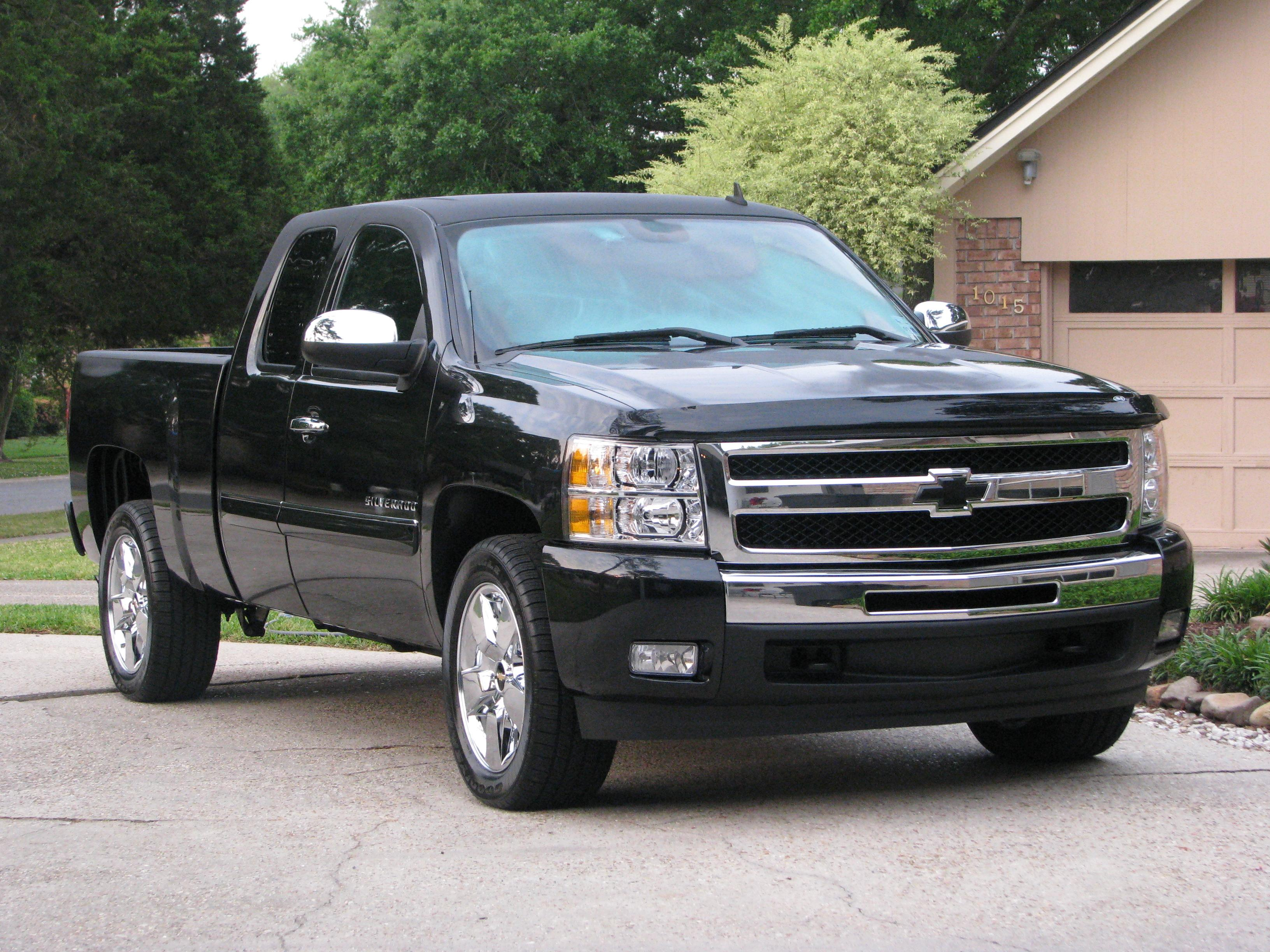 edition midnight at front brown view don special editions chevy chevrolet silverado available