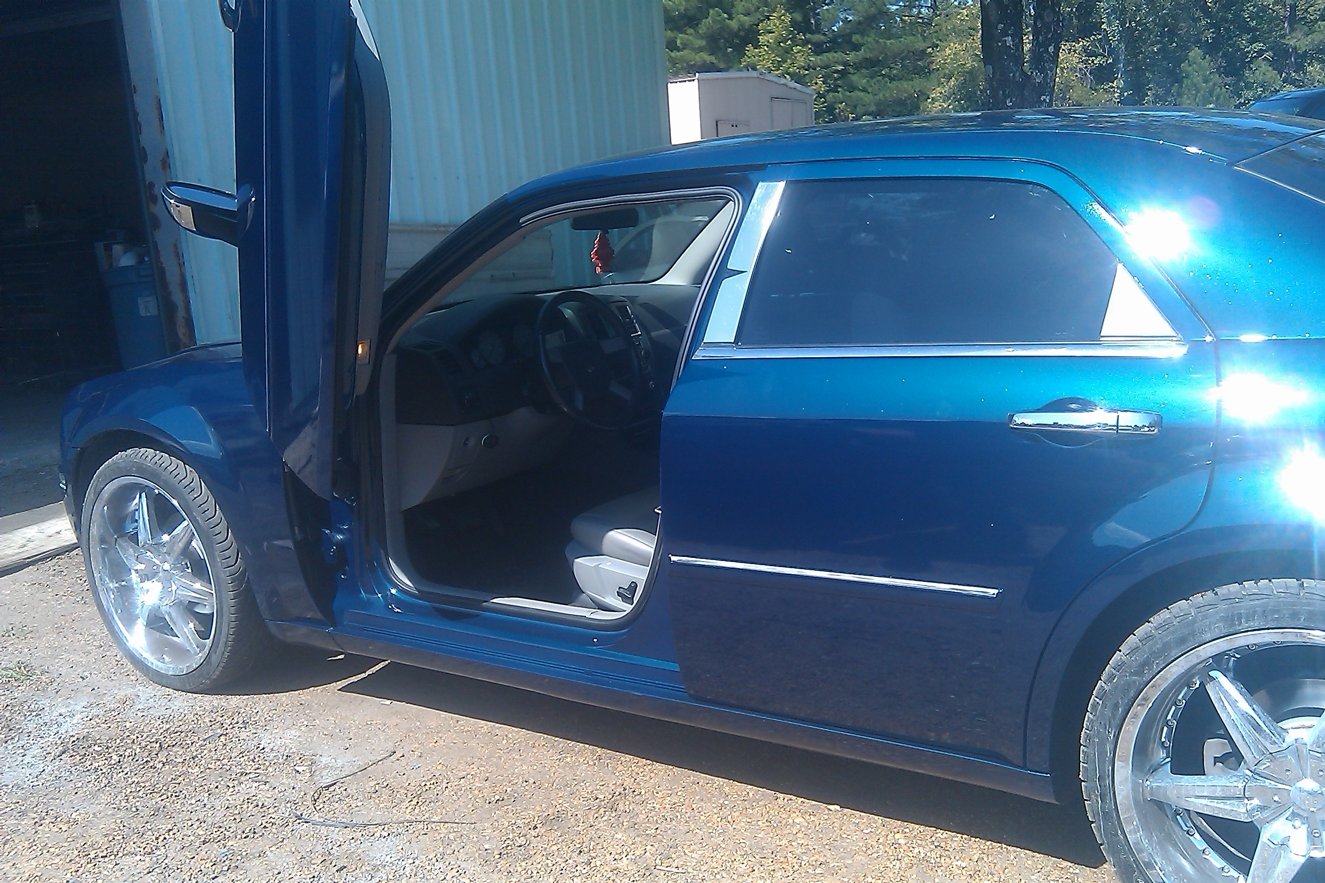 Another sweet502 2006 Chrysler 300 post... - 15309031