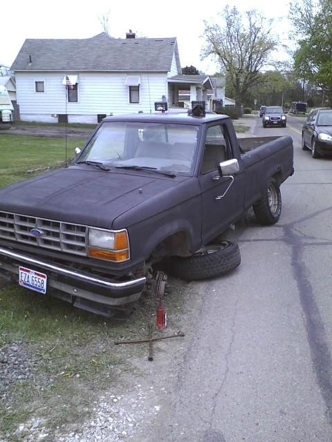 Jacked Up Ford Ranger http://www.cardomain.com/ride/3851752/1989-ford-ranger-regular-cab/