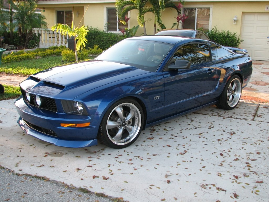 tcb0212 2006 Ford Mustang