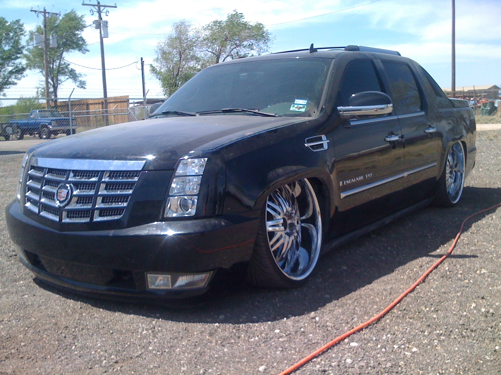 layedext 2007 cadillac escalade ext specs photos modification info at cardomain. Black Bedroom Furniture Sets. Home Design Ideas