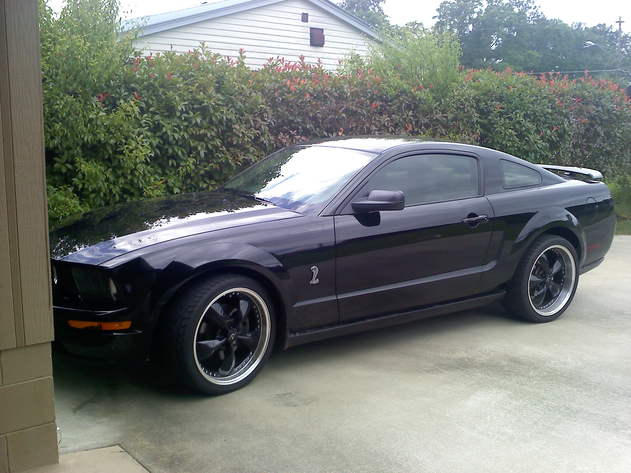 jconaway 2007 ford mustanggt deluxe coupe 2d specs photos modification info at cardomain. Black Bedroom Furniture Sets. Home Design Ideas