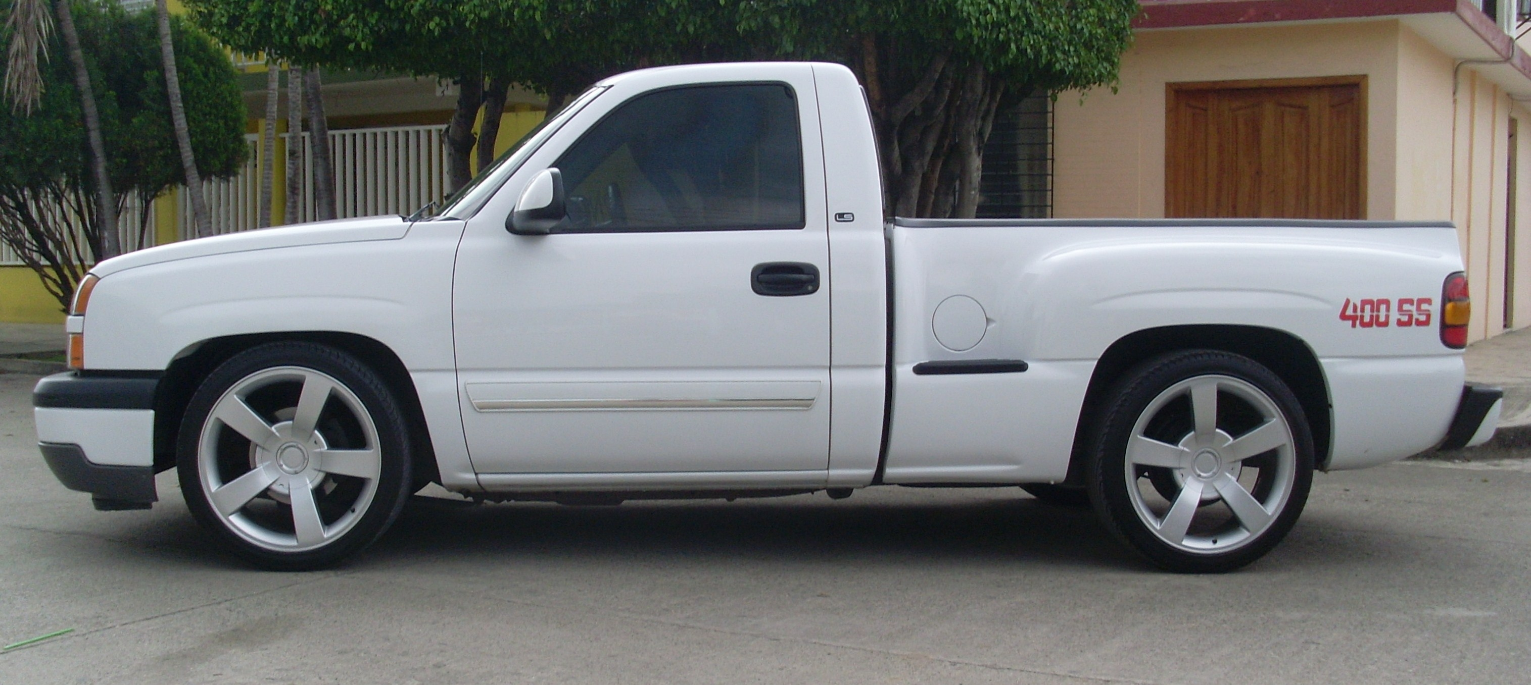400ssgarces 2005 Chevrolet Silverado 1500 Regular Cab 14427435
