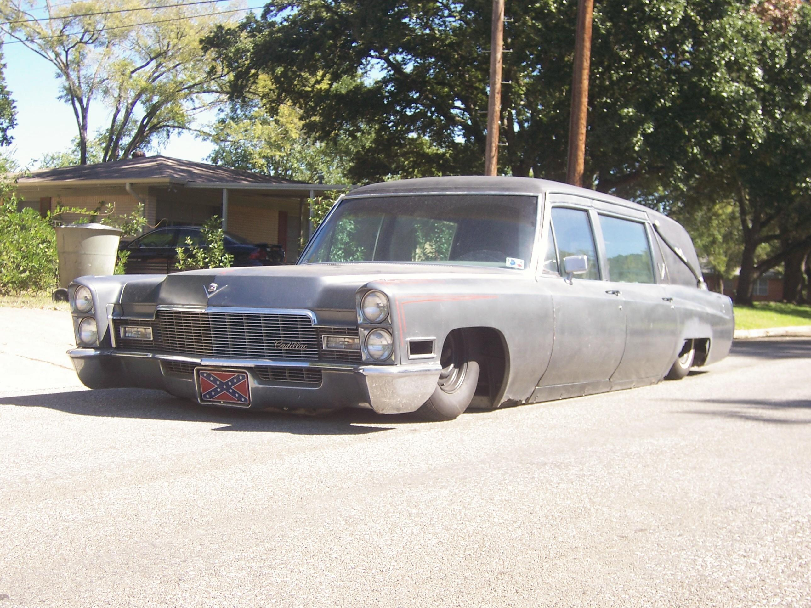 halfbreedcustoms 1968 Cadillac Fleetwood Specs, Photos, Modification