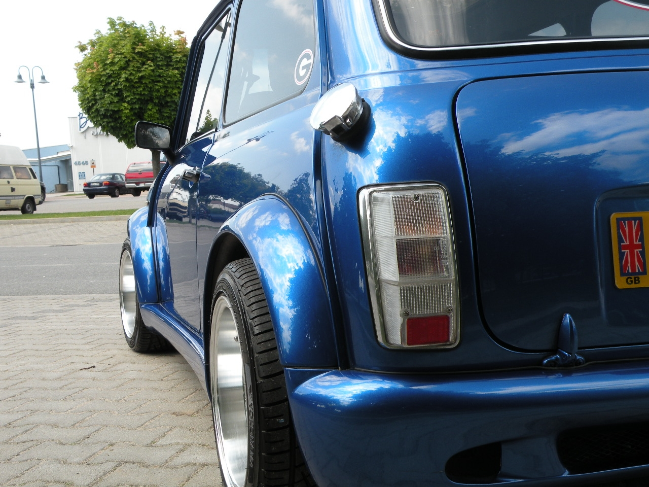 Another MOMORACER06 1980 MINI Cooper post... - 14447055