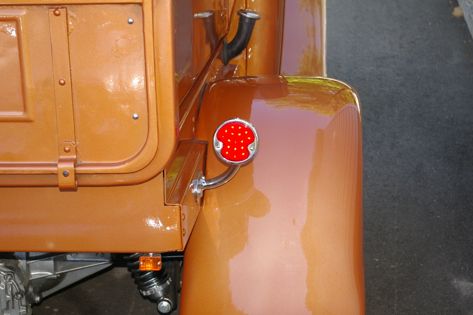 Another Charlenator 1932 Ford Model B post... - 14447548